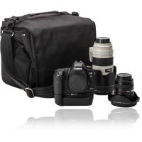 Чехлы, сумки, треуголки, рюкзаки, ремешки, чемоданы для фотоаппаратов, фотовспышек и других фотоаксессуаров.