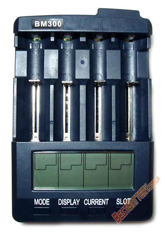 Extradigital BM 300 - интеллектуальное зарядное устройство для Ni-Cd / Ni-Mh и Li-Ion аккумуляторов.